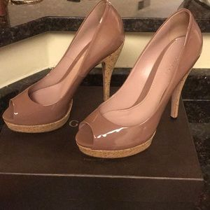 Gucci mauve peep toes